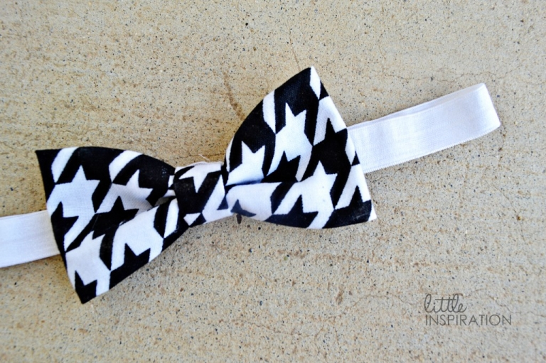 Simple bow tie headband tutorial little inspiration welcome to this mini series on how to make 5 different headbands today here is a simple houndstooth bow tie headband tutorial its very easy to make and ccuart Image collections