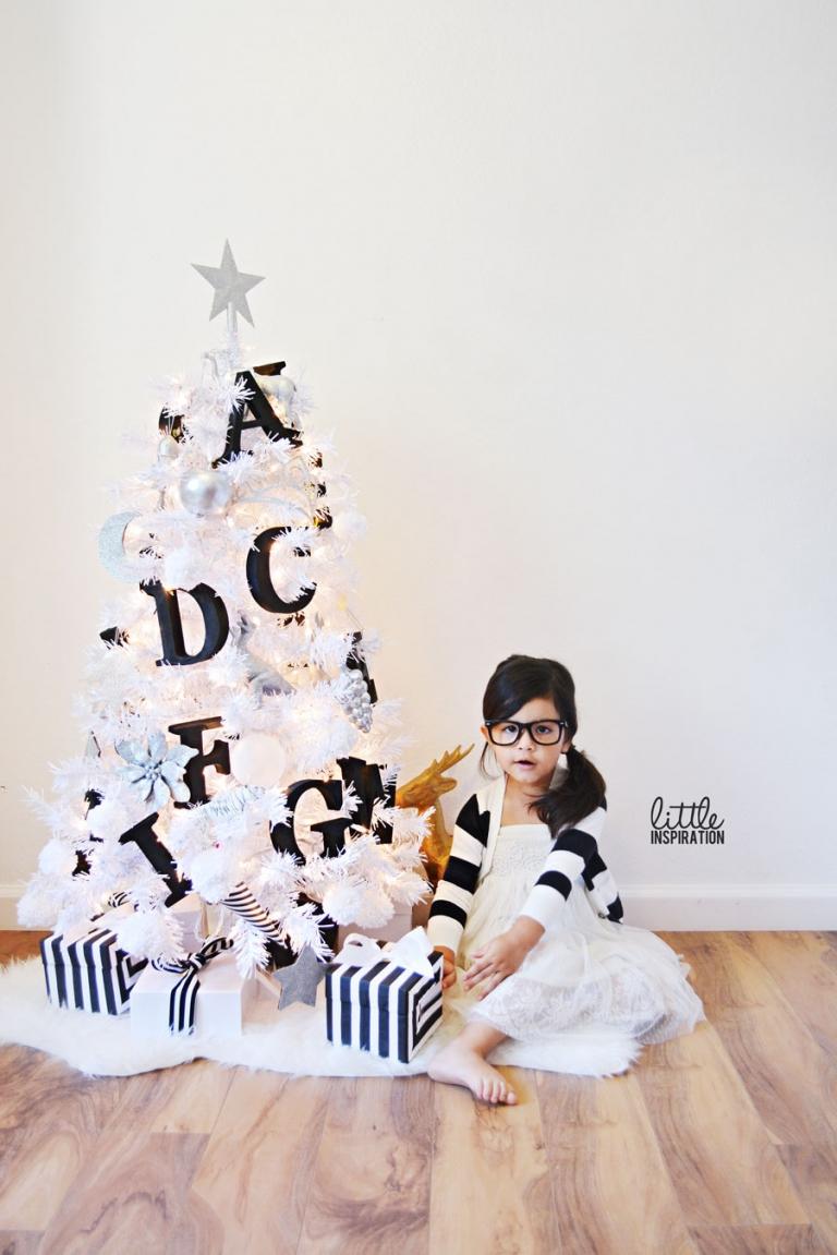 A Black & White Christmas » Little Inspiration