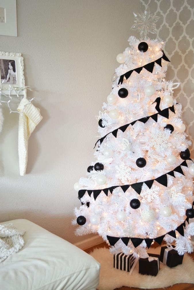 Black-&-White-Christmas