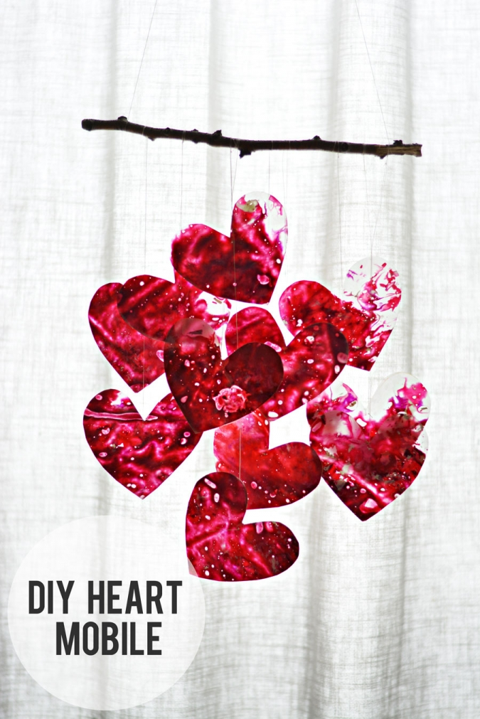 DIY-Heart-Mobile-for-Glade-Best-Feelins