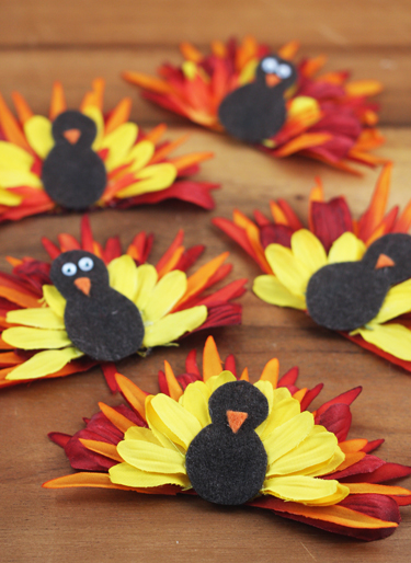 Flower-turkeys-with-beaks-and-eyes
