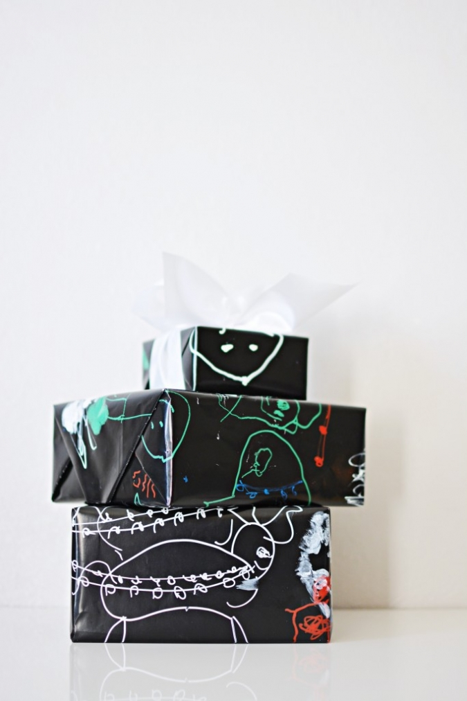 DIY-Christamas-Gift-Wrap-Paper-1