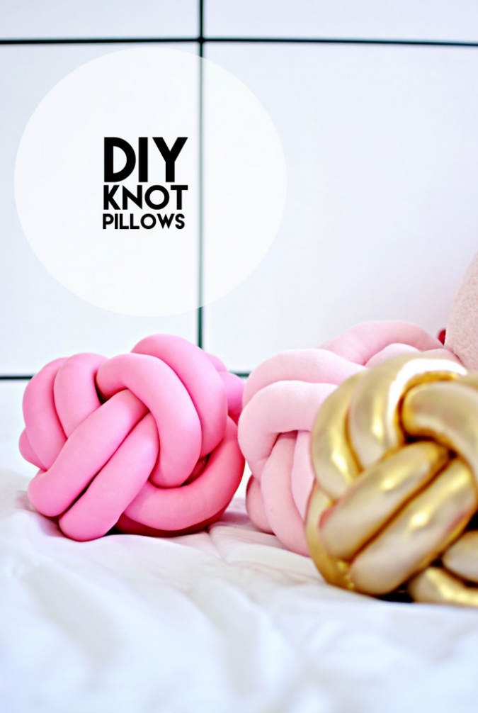 Diy knot pillows tutorial little inspiration for Diy handicraft items