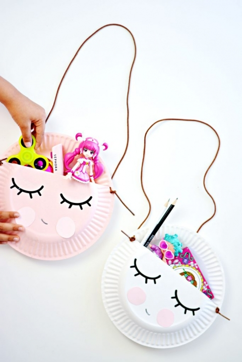 My daughter was so happy with her quick paper plate purse she filled them with her favorite things!  sc 1 st  Little Inspiration & Kid Craft: Paper Plate Purse » Little Inspiration