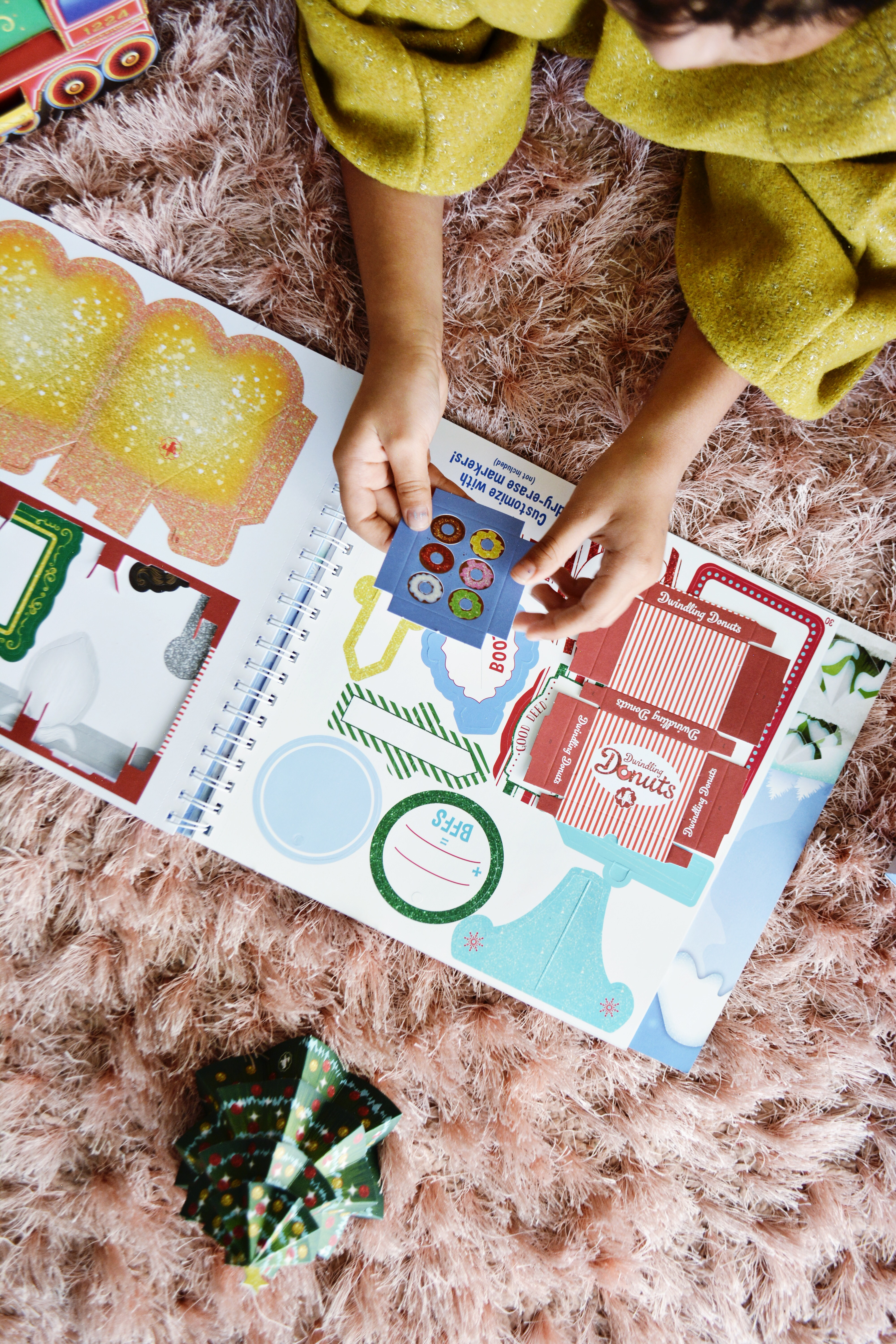 Diy Paper Craft Props For Your Elf On The Shelf Little Inspiration